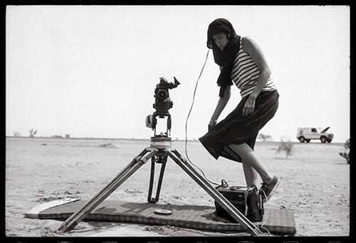 Claudine Nougaret, désert du Mali 1986. Raymond Depardon©Magnum Photos.