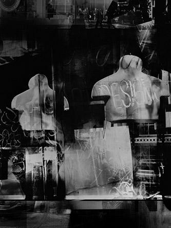 Valérie Belin, Crosby Display, Manhattan (Reflection), 2019. Tirage pigmentaire contrecollé sur Dibond et encadré sous verre antireflet (non traité UV). Encadrée : 175 x 132 cm. Edition de 6 + 2 EA. Courtesy de l'artiste et Galerie Nathalie Obadia Paris / Bruxelles.