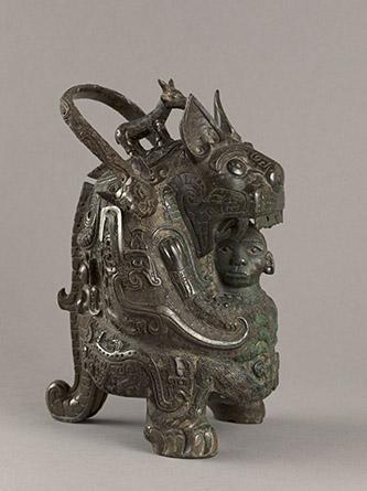 Vase you dit « la Tigresse », Époque Shang (vers 1600 – vers 1050 av. J.C.), XIe siècle av. J.-C., Bronze, M.C. 6155.