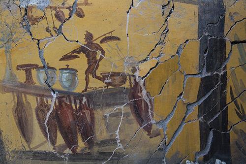 Fresque avec amphores du comptoir d'un thermopole, Ier siècle après J.-C. Pompéi, intersection de la rue des Noces d'Argent et de la rue des Balcon © GEDEON Programmes.