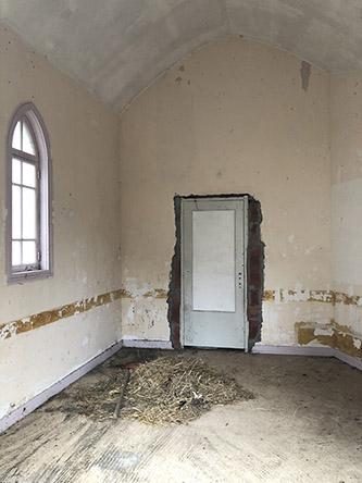 Régis Perray, La petite chapelle de Pontmain avant sa rénovation. © Régis Perray.