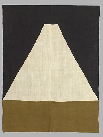 YUNOKI Samiro (né en 1922), Mont Fuji, 2011. Coton teint. MNAAG, don YUNOKI Samiro, 2013, MA12614. © RMN-Grand Palais (MNAAG, Paris) / Thierry Ollivier.