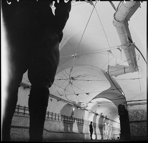 Ligne Maginot, ouvrage du Hackenberg, galerie principale, Vincennes, Service historique de la Défense, ECPAD © Photographe inconnu / Service Cinématographique des Armées/ECPAD.