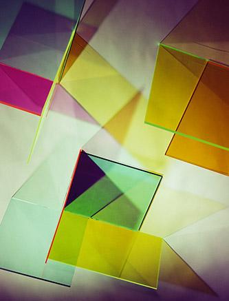 Barbara Kasten, Collision 4T, 2016. Impression numérique Fujiflex /160 x 121,9 cm. Courtesy the artist, Bortolami, New York and Thomas Dane Gallery. © Barbara Kasten.