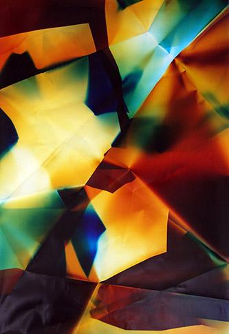 Walead Beshty, Six-Sided Picture (CMYRGB), December 21, 2006, Los Angeles, California, Kodak Supra, 2010. Papier photographique couleur / 182 x 121 cm. Collection Frac Grand Large – Hauts-de-France. © Walead Beshty.