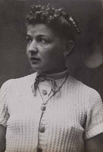 Portrait d'Annemarie von Matt, sans date, photographie, 6,1 x 9 cm, Kantonsbibliothek Nidwalden.