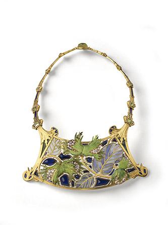 René Lalique, Collier Noisette, Vers 1900, Paris. Or, diamants, émail, verre. Paris, Musée des Arts Décoratifs. © MAD Paris / Christophe Dellière.