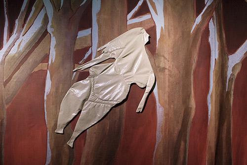 Pauline Curnier Jardin,Peaux de dame, 2019. Vue d'exposition, Preis der Nationalgalerie 2019, Hamburger Bahnhof – Museum für Gegenwart (Berlin). Courtesy de l'artiste et Ellen de Bruijne PROJECTS (Amsterdam). Crédit photo: Luca Girardini.
