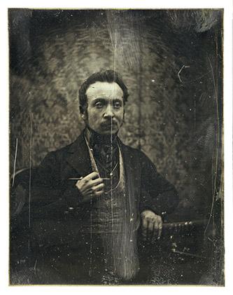 Joseph Philibert Girault de Prangey (1804-1892) Autoportrait, vers 1841. Daguerréotype, 12 × 9,5 cm. Paris, Bibliothèque nationale de France, département des Estampes et de la photographie. © Photo Bnf.