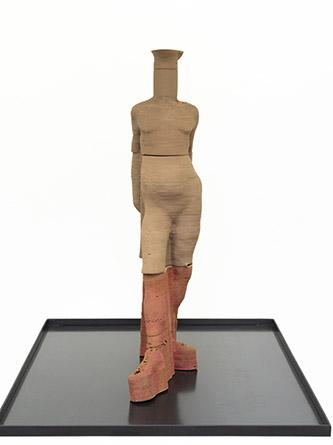 Antoine Renard, Impressions, après Degas (#022), 2020. Impression 3D de céramique, émail, fragrance (zedoaire, absynthe), caissette métallique, 58 x 32 x 14 cm. Crédit photo : Bertrand Huet / Tutti image. Courtesy de l'artiste et de la Galerie Nathalie Obadia Paris / Bruxelles.