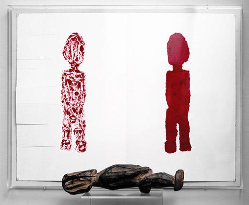 Sarkis, 2020.06.01 Bateba LOBI en Fang, 2020. Rouge à lèvres sur papier et statuette de 32 cm de haut, 46 x 61 cm. © Sarkis. Courtesy de l'artiste et de la Galerie Nathalie Obadia Paris / Bruxelles.