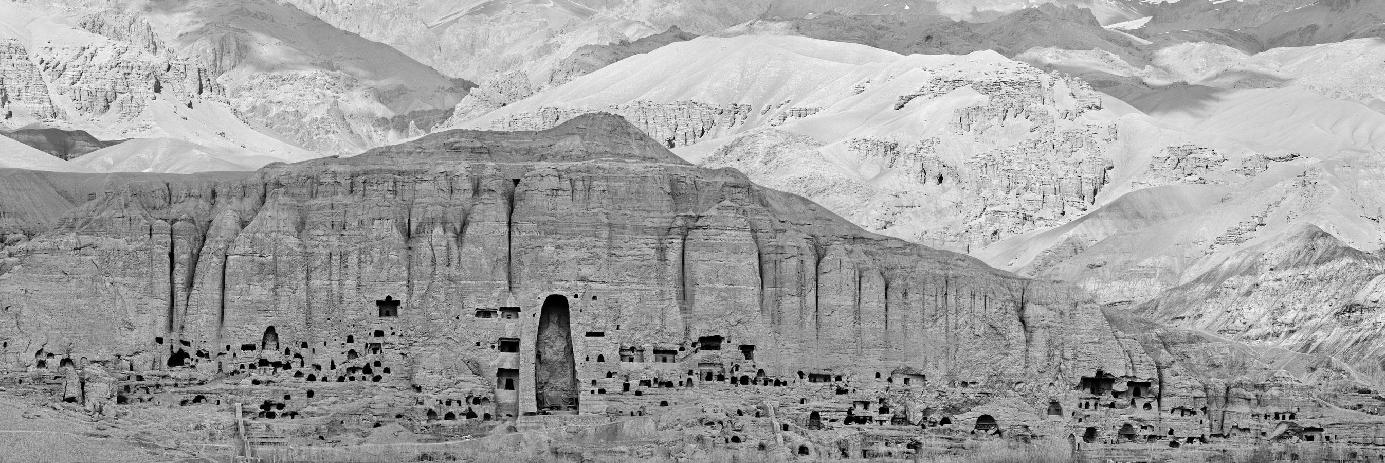 Pascal Convert, Extrait panoramique de la falaise de Bâmiyân 1. © Courtesy Pascal Convert, © Galerie Eric Dupont.