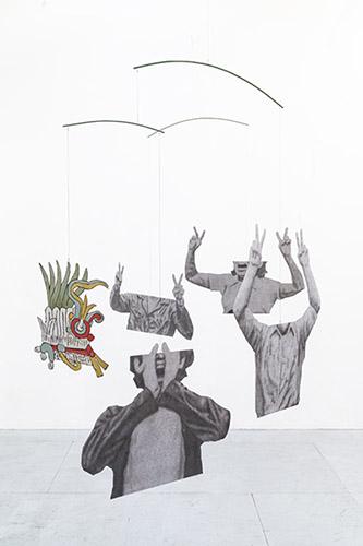Daniel Otero Torres, El Llamado (détail), 2020, Crayon et crayon couleur sur aluminium, acier, câble en inox, peinture, 312 x 220 x 312 cm. © Daniel Otero Torres et courtesy Daniel Otero Torres.
