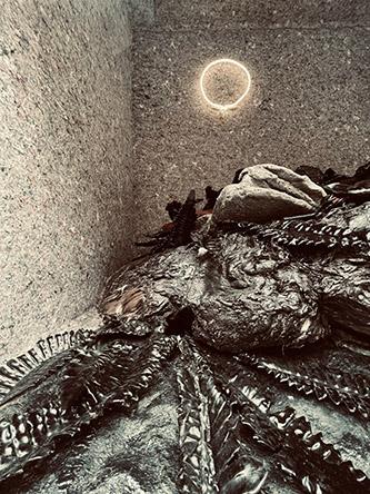 Angelika Markul, Excavations of the Future – Vue de la Galerie Saint-Séverin, Paris , exposition du 6 mai au 27 juin 2021. © Angelika Markul.