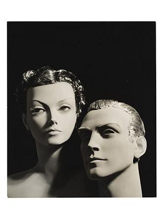 Jean Collas, Double portrait de mannequins en cire, Entre 1925 et 1930. Tirage gélatino-argentique. Don Annick Collas 1993. Jean Collas / DR Photo : © MAD Paris / Christophe Dellière.