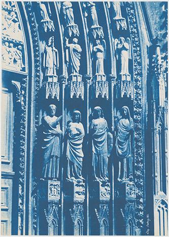 Henri Le Secq, Cathédrale Notre-Dame de Strasbourg Portail de droite, 1851. Cyanotype. Don Henri Le Secq des Tournelles, 1905. Photo : © MAD Paris.