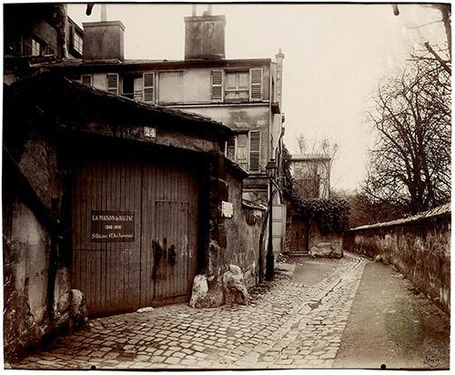 Eugène Atget (1857 – 1927), Maison de Balzac, 24, rue Berton, XVIe, 1913. © Paris Musées / musée Carnavalet – Histoire de Paris.