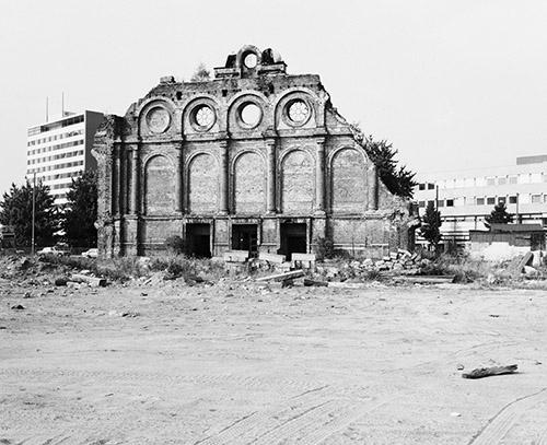 Michael Schmidt, Sans titre Berlin-Kreuzberg. Stadtbilder [Berlin- Kreuzberg. Vues urbaines], 1981-82.