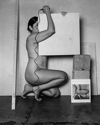 Tarrah Krajnak, Autoportrait en Weston/en Bertha Wardell, 1927/2020, série Rituels de maîtres II : les Nus de Weston, 2020. Avec l'aimable autorisation de l'artiste.