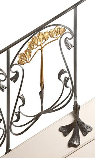 Louis Majorelle, Jean Keppel, Rampe d'escalier Monnaie-du-pape — Louis Majorelle, décorateur Majorelle frères, ébénistes, Jean Keppel, ferronnier, Nancy, 1903-1904. © MAD, Paris / Jean Tholance.