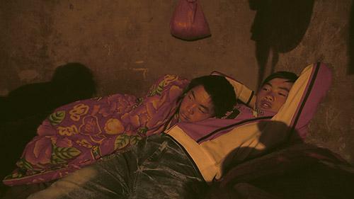 Wang Bing, Père et fils, 2014, vidéogramme © Wang Bing / Galerie Paris-Beijing.