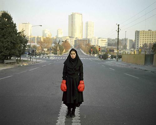 Newsha Tavakolian, Portrait de Negin à Téhéran, 2010. © Newsha Tavakolian / Magnum Photos.