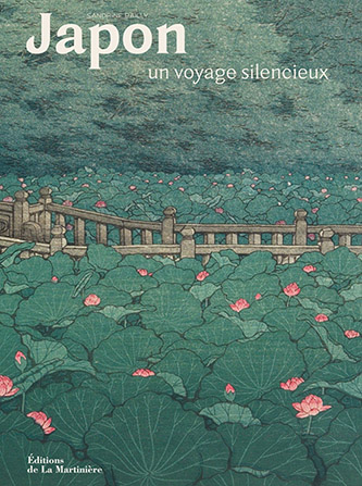 Couverture de Japon, un voyage silencieux un livre de Sandrine Bailly aux Éditions de La Martinière. © Éditions de La Martinière 2020. Visuel Kawase Hasui, L'Étang de Benten à Shiba, 1929. Xylographie, 23,9 x 36,3 cm. © Minneapolis Institute of Arts, gift of Paul Schweitzer / Bridgeman Images / D.R.