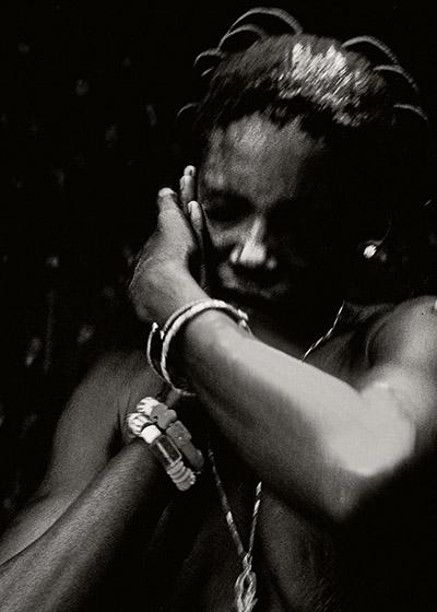 """🔊 """"Photographier les vodous. Togo-Bénin, 1988-2019"""" Photographies de Catherine De Clippel, Textes de François Cheval et de Jean-Paul Colleyn"""