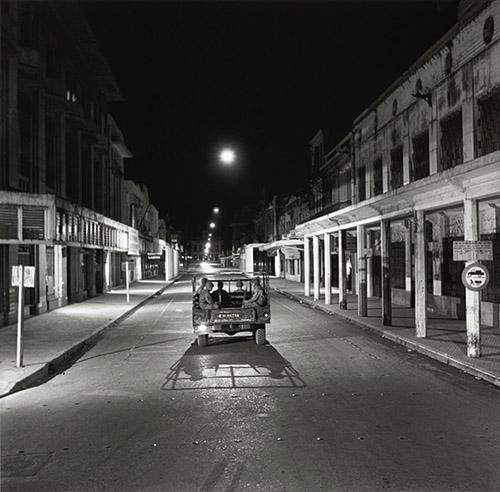 Willy Rizzio (1928-2013), Couvre-feu, Hanoï, 1952. © Paris - Musée de l'Armée, Dist. RMN-Grand Palais / Émilie Cambier.