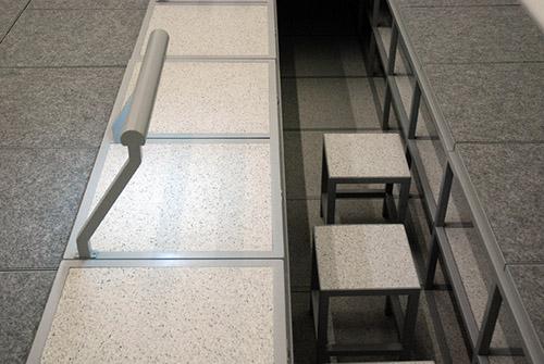 Vues d'ensemble et détails de 3-8, œuvre conçue par Leopold Banchini en collaboration avec Laure Jaffuel, pour l'Ecole Pro du Centre Pompidou, niveau 4 – musée national d'art moderne. Visite presse du 23 mai 2018, photographies : © Anne-Frédérique Fer