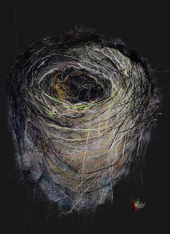 Mathieu Ducournau, « En suspens IV », 2018. Fils de coton sur toile, 212 x 158 cm. Photographie © Zoé Ducournau. Courtesy Mathieu Ducournau et Galerie Chevalier.