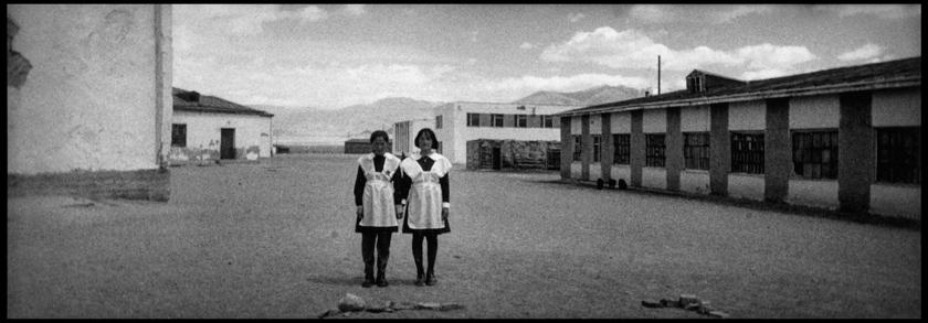 Sophie Zénon, DELUUN, (HAÏKUS MONGOLS),1999. Tirage argentique, format 10 x 26,5 cm. © Sophie Zénon.
