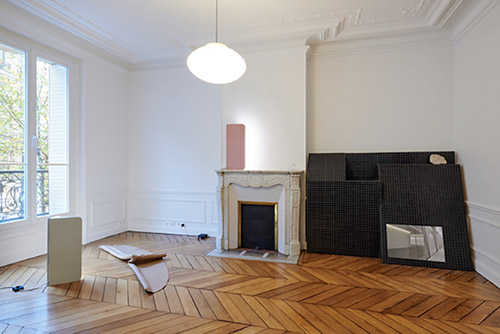 Vue de l'exposition de Laetitia Badaut Haussmann, Sas Villa Psy 2, présentée à Fabre du 22 novembre 2018 au 26 janvier 2019. Photo Guillaume Onimus.